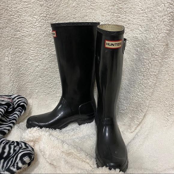 [Hunter] boots + zebra socks